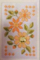 Оранжевые цветы со стразами