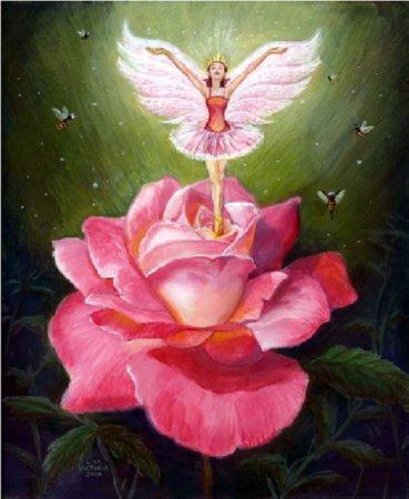 Фея на розе