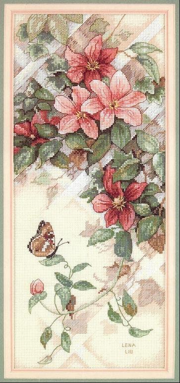 Бабочка на Клематисах